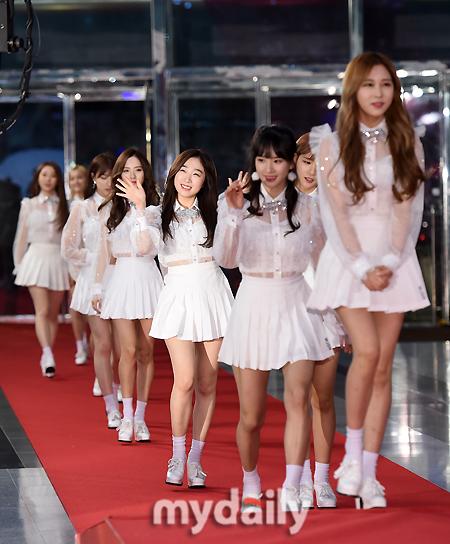 [MD포토] 우주소녀 ′발랄한 화이트 패션′