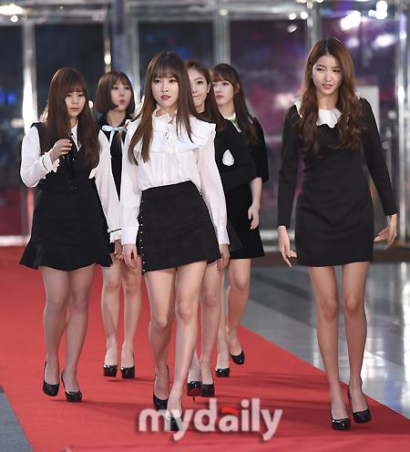 [MD포토] 여자친구 ′대세 아이돌의 레드카펫 입장′