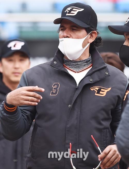 한화 팬들의 뜨거운 반응 … 수 베로를 잘 안다. [MD현장]